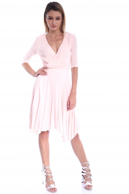 Rochie roz Roerry clos din material creponat